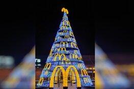 Mega kerstboom bij McDonalds Alkmaar oost